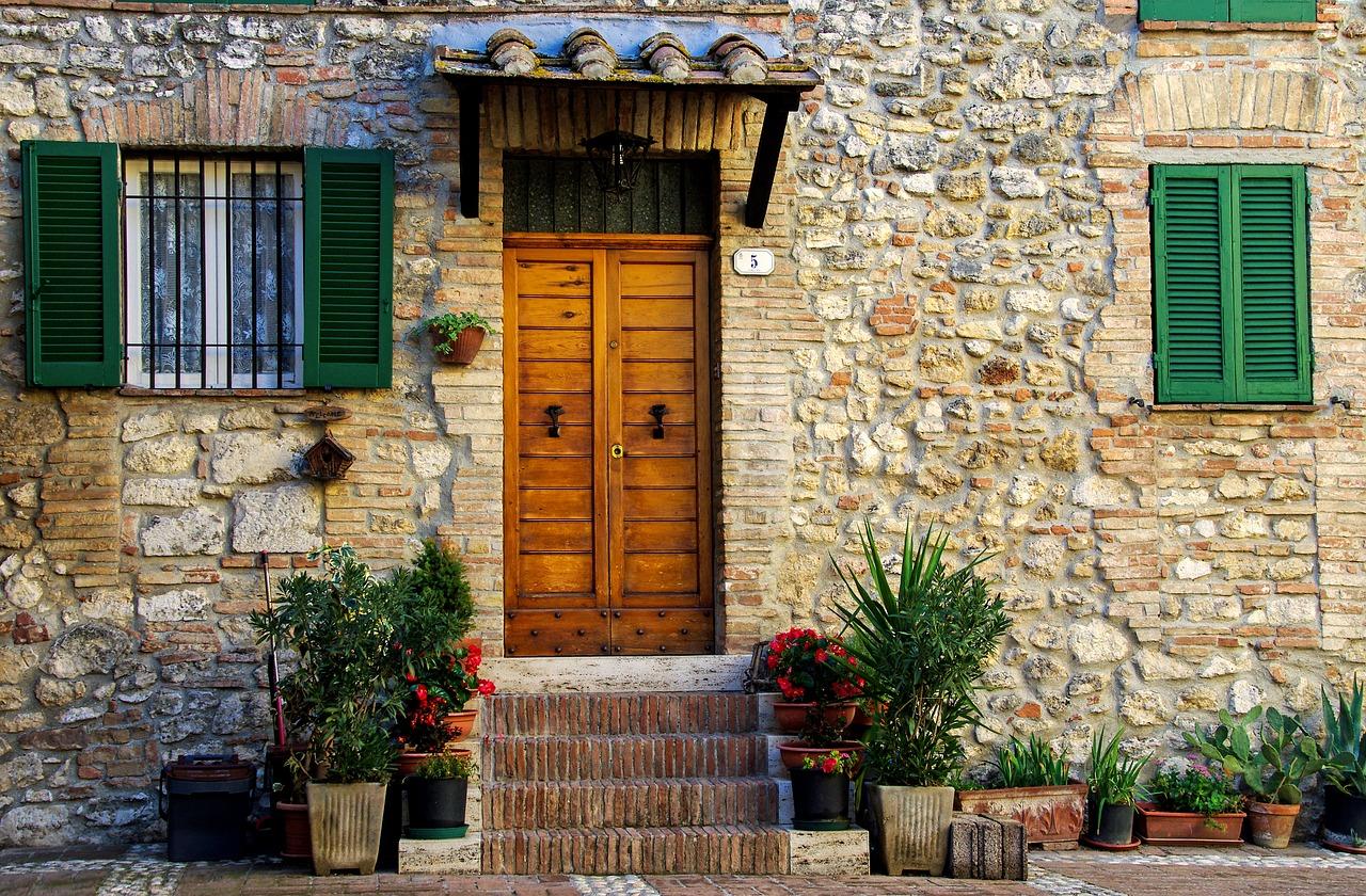 Quel budget prévoir pour votre porte d'entrée ?