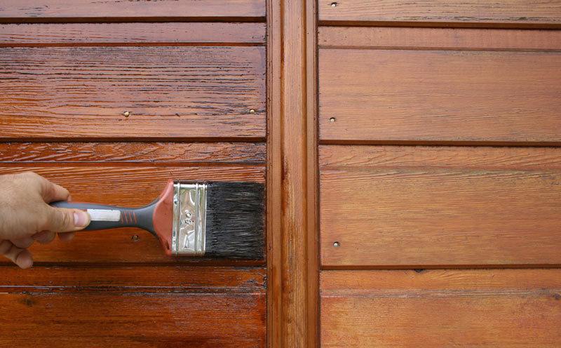 Quel entretien prévoir pour les portes en bois ?
